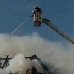 Dachstuhlbrand eines Mehrfamilienhauses