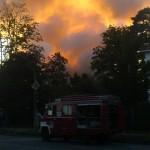 Rauchwolke eines Supermarktbrandes